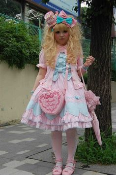 sweet lolita - her bag, want!!