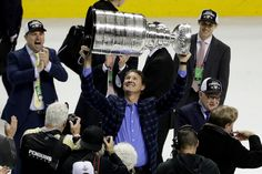 Pittsburgh Penguins Co-owner and Chairman Mario Lemieux celebrates with the Stanley Cup Hockey News, Hockey Games, Pittsburgh Sports, Pittsburgh Penguins, Nhl Stanley Cup Finals, Nhl Awards, Mario Lemieux, Lets Go Pens, Penguin Love