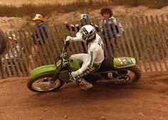 Kawasaki - Jeff Ward - Vintage Dirt Bike Racing Dirt Bike Racing, Motorcycle, Vintage Motocross, Vintage Bikes, Dirt Bikes, Old Skool, Daring Greatly, Evo, Stress Relief