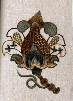 ru / Photo # 54 - Royal School of Needlework - Orlanda Bordado Jacobean, Jacobean Embroidery, Hand Embroidery Stitches, Embroidery Techniques, Embroidery Art, Embroidery Patterns, Victorian Fabric Patterns, Stitch Witchery, Japanese Embroidery