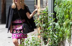 Why are skirts so easy to buy, and then so difficult to actually wear?  We have a solution!  Click for outfit details... [via www.thechicagolifeblog.com]