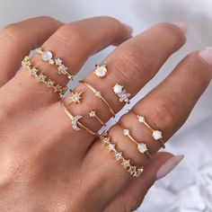 Cosmic hour ✨ Martina & Melina star ring set – Schmuck + Jewellery … – coffee_and_cigarettes – Jewelry Hand Jewelry, Dainty Jewelry, Cute Jewelry, Diamond Jewelry, Jewelry Rings, Jewelery, Jewelry Accessories, Gold Jewellery, Diamond Earrings