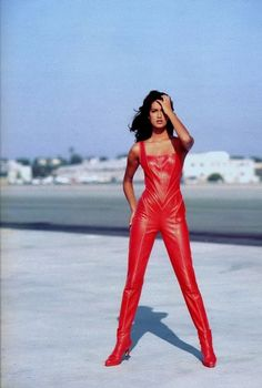 Yasmeen Ghauri by Martin Brading for MC Italia - Trussardi leather jumpsuit Leather Jumpsuit, Leather Pants, Red Leather, 90s Fashion, Fashion Outfits, Leder Outfits, Leather Design, Mode Inspiration, Mannequins