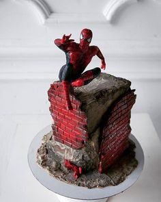 All About Kids Birthday Cakes - Life ideas Unique Cakes, Creative Cakes, Avengers Birthday Cakes, Cake Birthday, Disney Frozen Cake, Monster High Cakes, Superhero Cake, Birthday Cake Decorating, Novelty Cakes