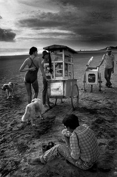 Bali / Indonesia / Black and White Photography by Ferdinando Scianna