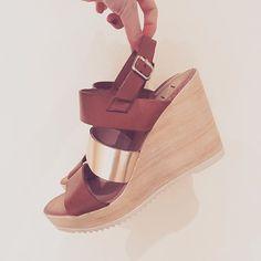Calidad y diseño.  #hechoenespaña #madeinspain   #liberitae #liberitaeshoes #sienteteliberitae #zapatos #zapatosdepiel #leather #leathershoes #fashion #style