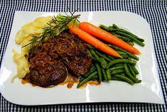 Entrecôte mit frittierten Zwiebelringen an breiten Stangenbohnen und glasierten Möhren, ein schmackhaftes Rezept aus der Kategorie Gemüse. Bewertungen: 11. Durchschnitt: Ø 4,2.