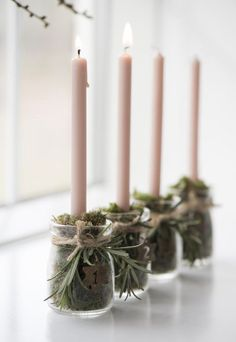 Let it Glow: 5 Pretty Candle Displays You Can Make In An Instant! (my scandinavian home) - Let it Glow: 5 Pretty Candle Displays You Can Make In An Instant! (my scandinavian home) Let it Glow: 5 Pretty Candle Displays You Can Make In An Instant! Natural Christmas, Noel Christmas, Simple Christmas, Winter Christmas, Christmas Wreaths, Christmas Crafts, Christmas Candles, Advent Wreaths, Rustic Christmas