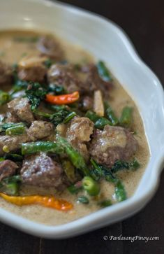Baka – Beef in Coconut Milk with Green Beans and Spinach ginataang baka with green beans recipeginataang baka with green beans recipe Filipino Dishes, Filipino Recipes, Asian Recipes, Beef Recipes, Cooking Recipes, Filipino Food, Vegetarian Recipes, Beef Pinoy Recipe, Filipino Culture