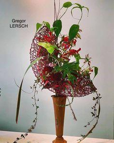 Modern Floral Arrangements, Beautiful Flower Arrangements, Succulent Arrangements, Beautiful Flowers, Succulents, Ikebana, Gregor Lersch, Corporate Flowers, Flora Design