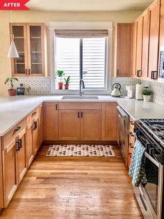 Maple Kitchen Cabinets, Kitchen Redo, Home Decor Kitchen, Interior Design Kitchen, Home Kitchens, Oak Kitchen Remodel, Kitchen Ideas, Updating Oak Cabinets, Kitchen Cabinets Upgrade