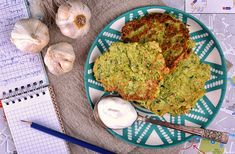 Cukkinis, petrezselymes tócsni I Foods, Avocado Toast, Guacamole, Food Photography, Mexican, Breakfast, Ethnic Recipes, Blog, Morning Coffee
