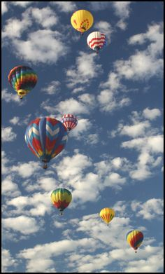 Balloons and Clouds by ~Toja7777777 on deviantART... #jointorit