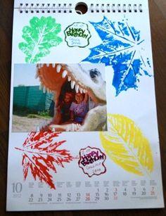 Ein Fotokalender ist das ideale Weihnachtsgeschenk für nahe Verwandte. Entweder selber gebastelt oder professionell gedruckt.