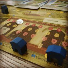 Nach viel Grübelei in der letzten Runde von Szenario 2 doch noch fast alle #Weine losgeworden und damit 2 Aufträge erfüllt. #Automa um 2 Punkte geschlagen. #Viticulture ist wirklich nicht leicht aber das ist gut so. #brettspiele #brettspiel #fb #boardgame #boardgames #feuerlandspiele #Feuerland #stonemaiergames