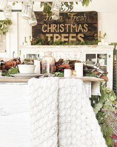 Cottage Christmas, Country Christmas, White Christmas, Christmas Ideas, Christmas Decorations, Table Decorations, Beautiful Things, Farmhouse, Snow