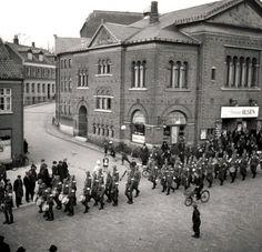 Tyske soldater fejrer Hitlers fødselsdag i Gravene, Viborg, Denmark, den 20. April 1940 (German soldiers celebretes Hitlers birthday April 1940)