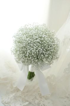Flower Delivery Singapore - Tips to Choose a Bridal Bouquet - Flower Delivery Singapore Bride Bouquets, Flower Bouquet Wedding, Floral Wedding, Gypsophila Bouquet, Orchid Bridal Bouquets, Floral Lace, Flower Delivery, Simple Weddings, Beautiful Flowers