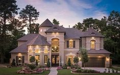 beautiful homes 5814 Stratton Woods Dr, Spring, TX 77389 Dream House Exterior, Dream House Plans, Big Houses Exterior, Luxury Homes Exterior, Exterior Design, Style At Home, Dream Mansion, Luxury Homes Dream Houses, Modern Mansion