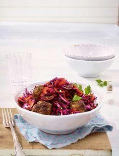 Das Rezept für Orientalischer Rotkohl-Salat mit Hackbällchen und weitere kostenlose Rezepte auf LECKER.de