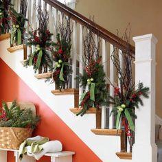 C'est le temps de décorer la rampe  pour Noël...