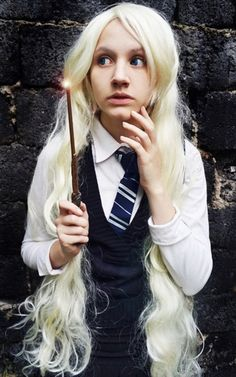 Luna Lovegood - Harry Potter Amazing cosplay Thought it was her! Work Appropriate Halloween Costumes, Classic Halloween Costumes, Group Halloween Costumes, Halloween 2018, Halloween Ideas, Duo Costumes, Costumes For Women, Cosplay Costumes, Woman Costumes
