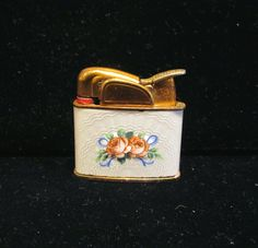 vintage Evans guilloche ladies working lighter with hand painted roses.