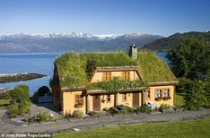 Something about Norway: yellow house, green roof