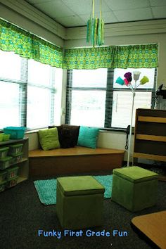 Loving this reading corner and other cute classroom setup ideas from Funky First Grade Fun!