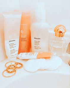 Face Care, Body Care, Skin Care, Priming Moisturizer, Peach Aesthetic, Summer Aesthetic, Just Peachy, Tips Belleza, Glossier