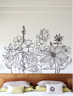 Poppytalk:black and white inspiration - love the nest pillow