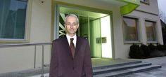 Dis-pa-ru, le banquier suisse, Daniel Perret-Gentil, directeur de la Clientis Caisse d'Epargne suisse de Courtelary, alors qu'il faisait une randonnée sur la célébre GR20 qui traverse l'île de Beauté du nord au sud. Son téléphone a été localisé à l'autre bout de la Corse ! Encore un beau mystère à ajouter aux nombreux banquiers morts ou disparus justement.