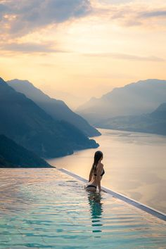 Watching the sun come up over the mountains from the pool at Villa Honegg in Switzerland. Places To Travel, Travel Destinations, Places To Go, Photos Encadrées, Travel Goals, Travel Plane, Travel Europe, Travel Luggage, Travel Hacks