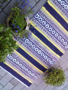 Нэля Сергеева Weaving Patterns, Woven Rug, Rag Rugs, Blanket, Crochet, Inspiration, Weaving, Rug Weaves, Biblical Inspiration