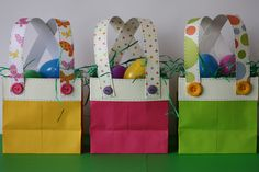 Tutorial for these cute bunny britches bags. @Melissa G  Thought you might like these:)