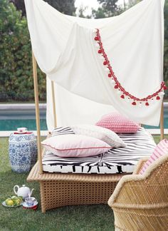 Outdoor wicker furniture with canopy