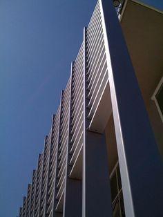 brise soleil acciaio ed alluminio per uffici