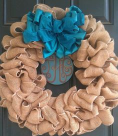 Burlap Christmas wreath.../