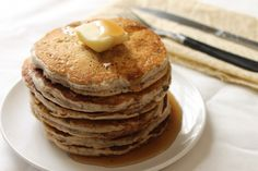 The vegan chia seed pancakes made with whole wheat flour are a delicious, simple, and healthy breakfast option. Healthy Recipe Videos, Healthy Salad Recipes, Healthy Desserts, Vegan Recipes, Snack Recipes, Healthy Eats, Healthy Breakfast Options, Homemade Popsicles, Healthy Ice Cream