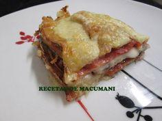 Berenjena frita, jamon, cebolla y motzarela