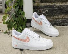 NEW Women's Nike Air Force 1 Louis Vuitton Monogram Sneakers Nike Shoes Outfits, Mode Outfits, Shoes Jordans, Fashion Outfits, Cute Sneakers, Sneakers Nike, Louis Vuitton Shoes Sneakers, Nike Shoes Air Force, Jordan Shoes Girls