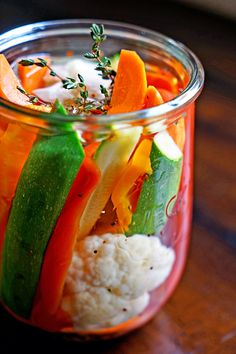 These Easy Homemade Pickled Vegetables are a quick and simple way to have a healthy snack. Blanch veggies in hot water and cover with white wine vinegar and seasonings. Check out the recipe on the blog!