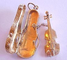 Vintage 14k  Gold Charm Violin In Case Removable With Bow ~ INCREDIBLE..