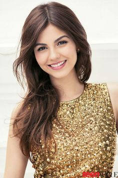 Victoria Justice is an American actress and singer. Popular as a child artist, this lovely woman is known for her stylish looks. Check out the best of Victoria Justice no makeup selfie pictures. Beautiful Celebrities, Most Beautiful Women, Vicky Justice, Teen Vogue, Girl Face, Hollywood Actresses, Pretty Face, Hair Beauty, Celebs