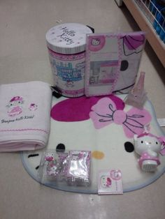 18pc Hello Kitty Bathroom Set Shower Curtain Hooks Bath Mat Bath Towel  Tooth Brush Holder Trash