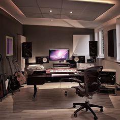 22 Ideas Music Studio Room Design For 2019 Music Studio Decor, Home Recording Studio Setup, Home Studio Setup, Home Studio Music, Home Music Studios, Sound Studio, Studio Gear, Studio Room Design, Deco Studio