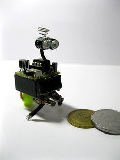 Robo-Art: Robot Wall-E. The biggest Nano Bot in the World:) | Let's Make Robots!