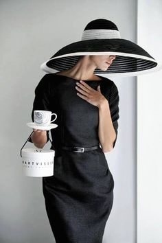 An http://www.splashtablet.com RePin big hats and classy dresses. Great for derby day Perfect for your #iPad in the #kitchen, the Splashtablet Case sticks everywhere, but moves about too. Check them out on Amazon. great customer ratings. Makes a great gift!