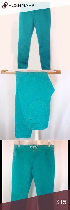 "Rue 21 Turquoise Skinny Ankle Jean Size 11 EUC Like new condition! Beautiful turquoise blue skinnies.  Size 11/12. Waist 16.5 across flat. Inseam 29"".  🔹Please ask all your questions before you purchase!  🔹Sorry, no trades or holds. 🔹Please use Offer Button! 🔹Bundle for your best prices! Rue 21 Jeans Skinny"