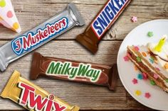 MARS Full Size Candy Bars 18-Count as low as $10.25! Snickers Chocolate Bar, Mars Chocolate, Chocolate Brands, Chocolate Treats, Homemade Chocolate, Snickers Candy, List Of Candy, Types Of Candy